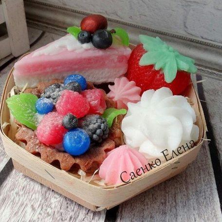 """Подарунковий набір із мила. Фрукти із мила, тістечка із мила. <a href=""""http://prostotak.com.ua/uk/product-category/gifts/handmade-ua/milo-ruchna-robota/""""><strong>ЗАМОВИТИ</strong></a>"""