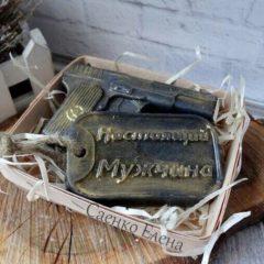 """Купить Набор мыла, пистолет из мыла, """"Настоящему мужику"""" - черный, мыло ручной работы, подарок мужчине. Купить мыло для мужчин Киев, в Украине - мыло для мужчин. Подарок своими руками. Хенд мей (hend made)ю Украина. Киев."""