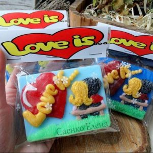 Мило ручної роботи Любов ЦЕ ... (Love is ...)