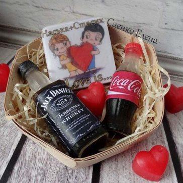 Подарунковий набір із мила. Кока кола, Джек Деніел та мило з іменами.