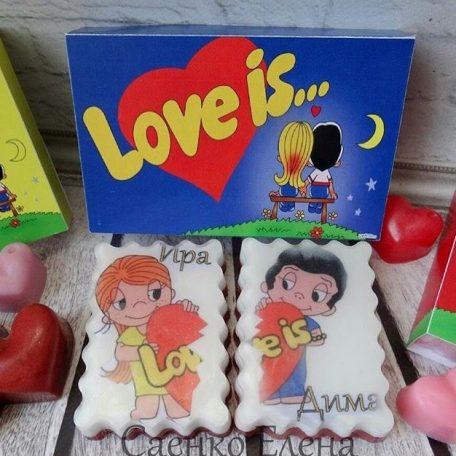 мыло ручной работы Love is, мыло ручной работы, подарочный набор, под заказ, заказать подарочное мыло, фрукты из мыла, подарочные корзины фруктов, пирожные из мыла, сувенирное мыло, натуральное мыло,