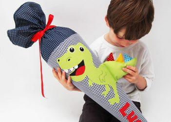 Конус с подарками первокласснику. Подарок на 1 сентября для ребенка первоклассника. Подарок для мальчика или девочки. Кулек с подарками (Schultuten) Украина.