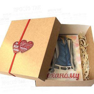 """Коробка с валентинкой на крышке и шоколадом """"КОХАНОМУ"""""""