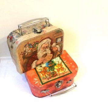 Коробка для подарка на новый год. Новогодний чемодан в технике декупаж.