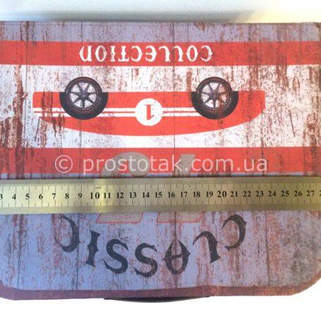 """Подарочная коробка чемодан раритет авто. <a href=""""http://prostotak.com.ua/ru/shop/podarochnaya-upakovka/podarochnaya-korobka-chemodan-raritet-avto/"""" rel=""""noopener"""" target=""""_blank""""><strong>ЗАКАЗАТЬ</strong></a>"""