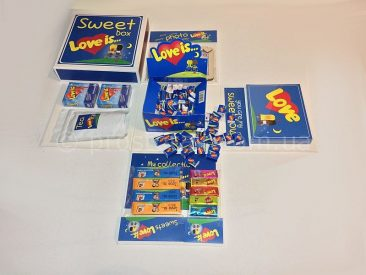Набор подарок в коробке Sweet box Love is