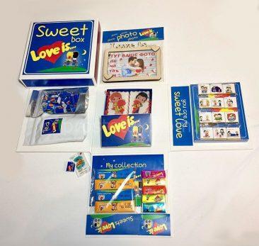 Набор сладостей Love is в коробке куб 20см