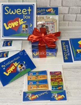 Подарок любимой девушке на день рождения Love is