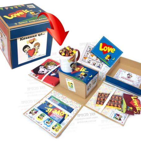 Набір в коробці куб із розпадаючимися сторонами Love is...