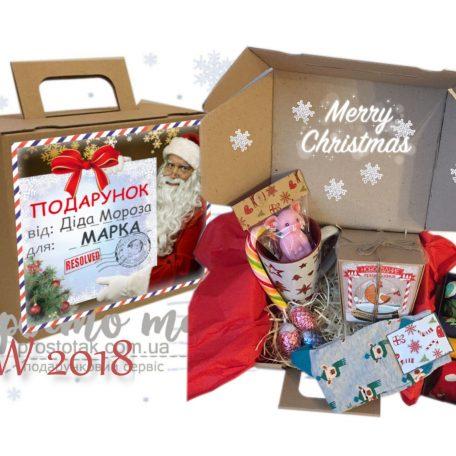 "gift BOX от Деда Мороза<h3><a href=""http://prostotak.com.ua/uk/shop/gifts/dekor-uk/podarunok-vid-dida-moroza-chi-santi-v-craft-box/"">Замовити</a></h3>"