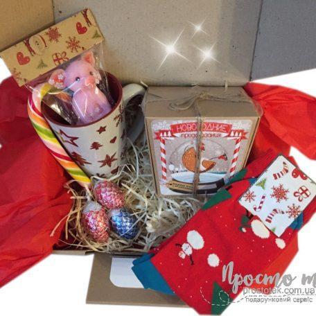 "Заказать gift BOX Новогодний<h3><a href=""http://prostotak.com.ua/uk/shop/gifts/dekor-uk/podarunok-vid-dida-moroza-chi-santi-v-craft-box/"">Замовити</a></h3>"