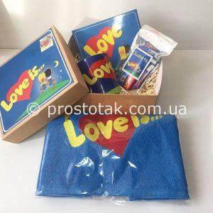 Подарок Love is… классика с полотенцем
