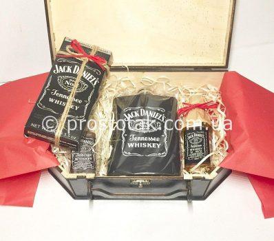 Подарунковий набір міні Jack Daniel's у валізі із дерева