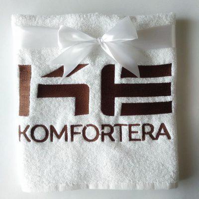 Вышивка логотипа компании