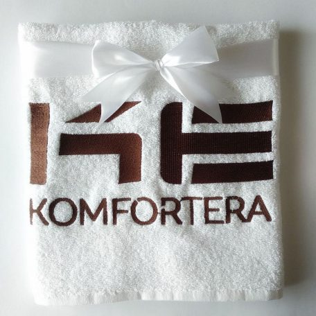 Вишивка логотипу компанії на рушнику