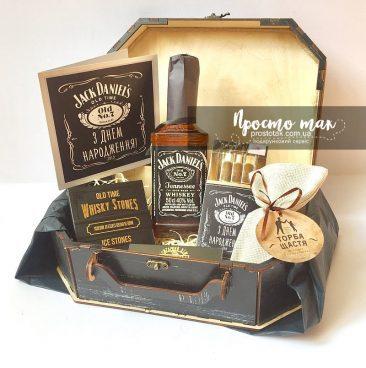 Подарунки чоловікам з Jacke Daniel's та торба щастя