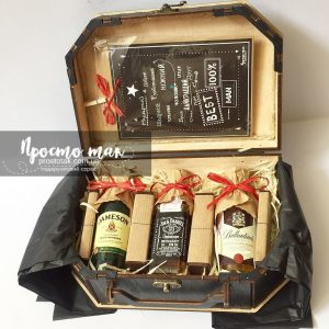 Подарунковий набір з шоколадками та міні пляшечки