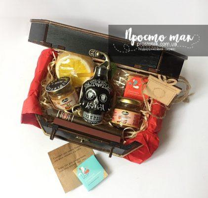 Подарки для мужчин в коробках из дерева