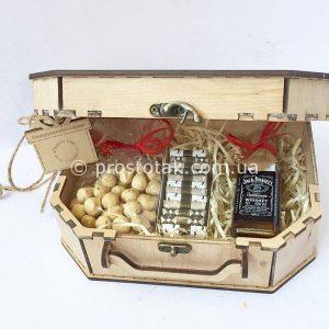 """Набір """"Справжньому чоловікові"""" in a wooden box"""