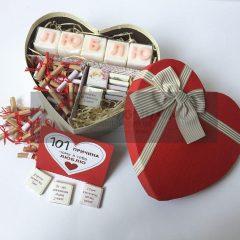 """""""101 причина любви"""" с шоколадом и словом из мыла"""