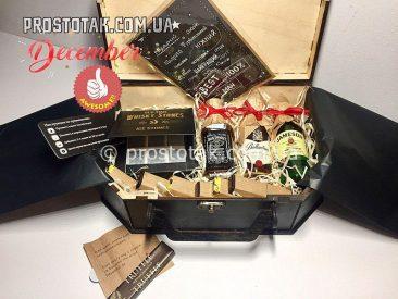 Купить подарок в коробке чемодан из дерева в Украине