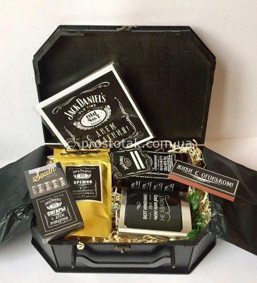 Подарок мужчине с виски Jack Daniels, флягой и сигарами