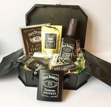 Подарок мужчине с виски Jack Daniels и флягой