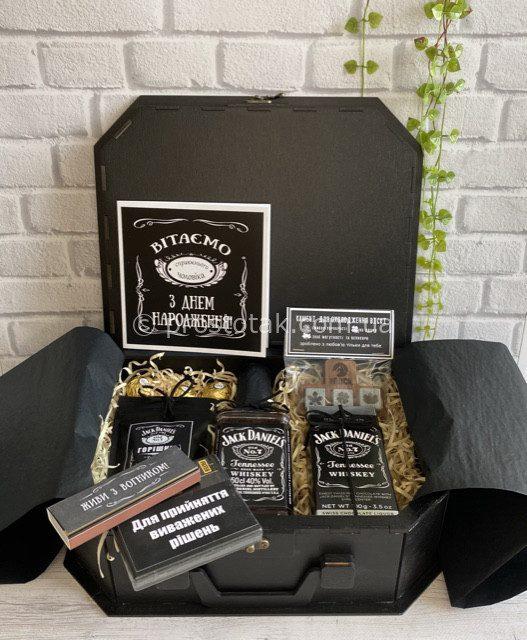 Подарунок для чоловіка VIP бокс з алкоголем і шоколадом Jack Daniel's