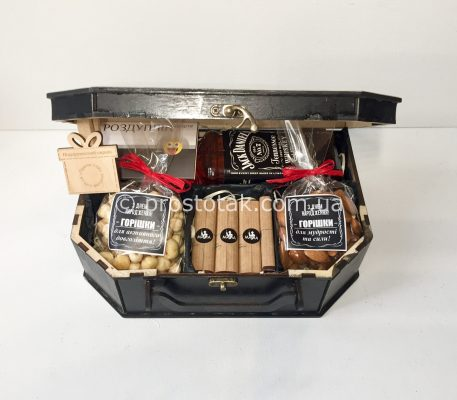 Подарки для мужчин руководителей в деревянных чемоданах