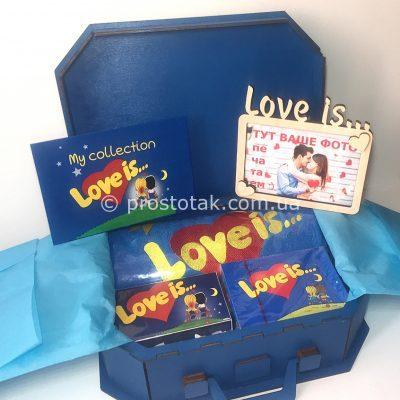 Набір №2 в дерев'яній валізі love is …
