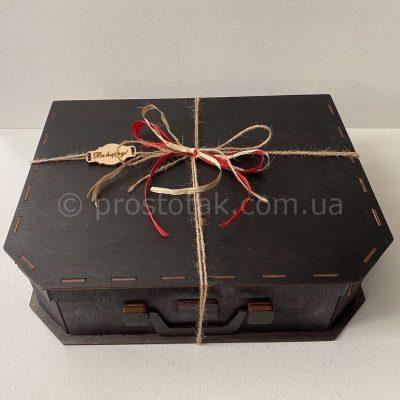 Деревянная коробка чемодан