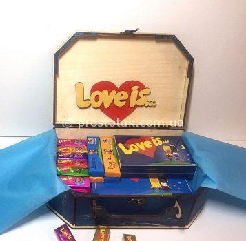 Набор со сладостями love is...