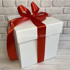 коробка куб із фото на сторонах