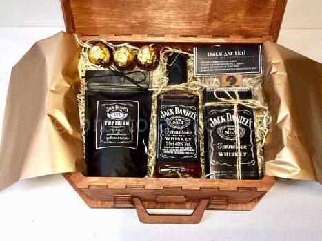 дерев'яний бокс із спиртним Jack Daniel's (0,35л)