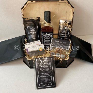 Подарок на юбилей куму с доставкой по Украине