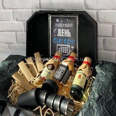 Мужские подарочные наборы со спиртными миниатюрами