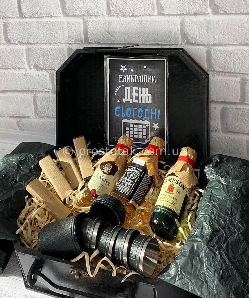 Бокс с алкогольными миниатюрами