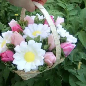Цветочная композиция ромашки в корзинке (мыло)
