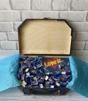 Набір із солодощами love is ... №3