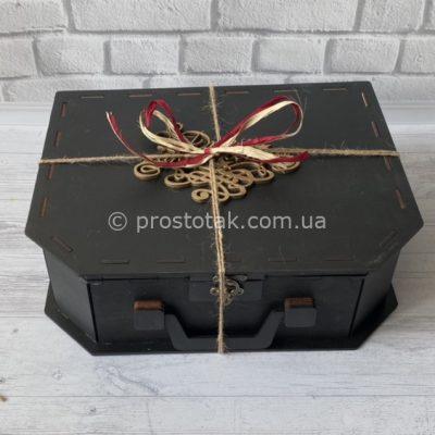 Чемодан коробка черного цвета 33см