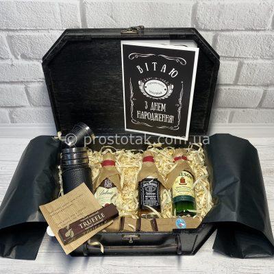 Бокс алкогольних мініатюр із стопками та шоколадом