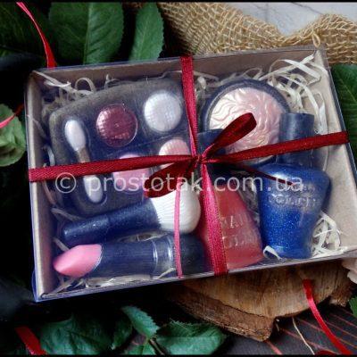 ПодаПодарки для девушек, для визажистов (подарочное мыло)рки для девушек, для визажистов