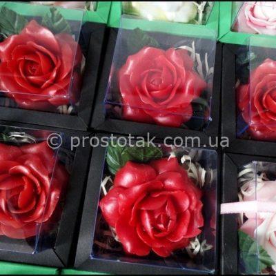 Корпоративні подарунки на 8-ме березня троянда в коробці