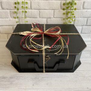 Коробка із дерева чорного кольору купити в Україні