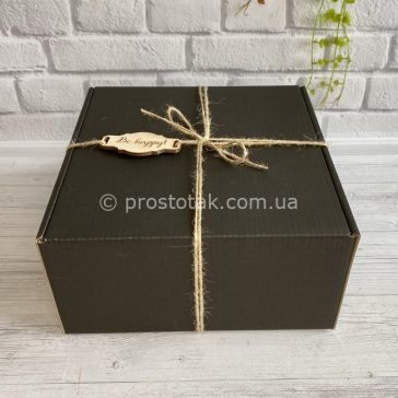 Коробка гофрокартон чорного цвета