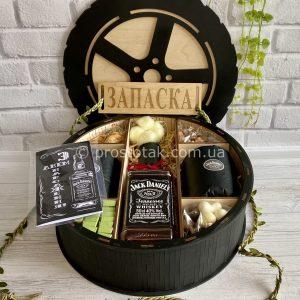 Подарок в деревянной коробке для руководителя