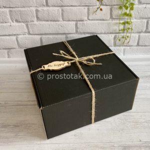 Гофрокоробка чорного кольору