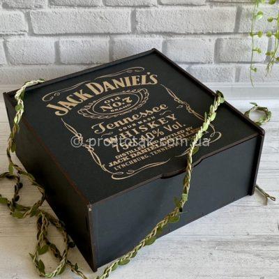 Чорна коробка із дерева із гравіюванням Jack Daniel's