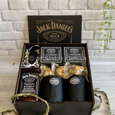 Подарунки чоловікам в коробках із дерева. Купити віскі Jack Daniel's